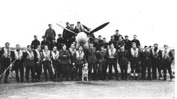 SQUADRON GROUP WITH MASCOT