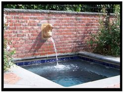 ATQ Large Dolphin Fountain