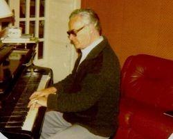 Marcello Del Monaco al piano