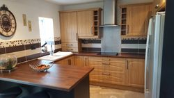 Kitchen upgraded to Lissa Oak replacement doors pic 4 of 6