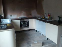 start of Magnet juno high gloss cream lineaire installation pic 5