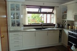 Kitchen upgraded to Riga Kingston ivory cream doors & drawers etc pic 4 of 4