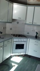 Kitchen to be removed & upgraded to Benchmarx tucson cream shaker kitchen  pic 1