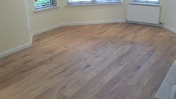 Gallaria solid rustic oak brushed and oiled flooring pic 1
