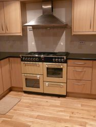 upgrade Complete with new doors, panels, accessories , New Range cooker, New flooring etc pic 1