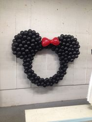 balloon mickey mouse sculpture