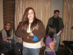 Mariah sang karaoke for the crowd