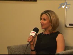 Screencaps of Chat with Polly from ZM ONline.