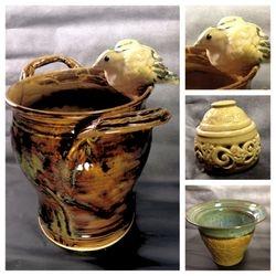 Bird on a pot