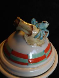 Frog Wish Pot detail