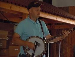 Crossroad Band banjo player