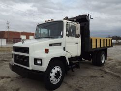 1993 Mack single axle 14 ft flatbed dump truck