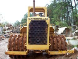 1980 CAT 815A  Compactor, Packer, Cab, Blade
