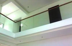 Frameless Hallway Railing
