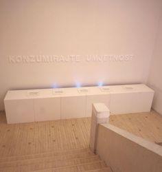 Konzumirajte umjetnost 1,  2001.