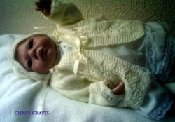 lemon Set size 18-22 newborn 4 ply yarn