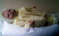 Lemon set with lace trim size 18-22 newborn
