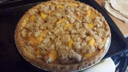 SF Peach Crumb Pie