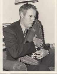 Howie playing Autoharp