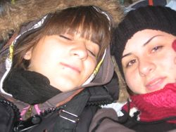 Spavanje na kamenu Ostroga , Miljana sa kumom (Ostrog 2008)