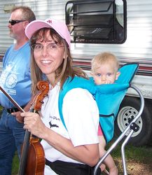 A Mommy Fiddlin' Dixie