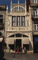 Livraria Lello Bookstore in Porto, Portugal (1 of 4)