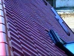 Montat  tigla metalica montat fereastra mansarda Velux Imagini amenajari exterioare renovat acoperis