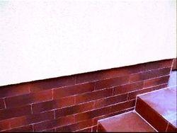 Montat caramida aparenta antichizata pe soclu casa,placat gresie treapta