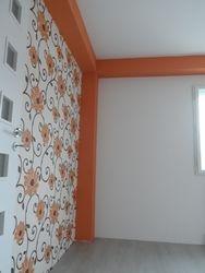 Tapet cu imprimeu floral portocaliu