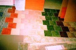 Hol cu gresie glazurata diferite culori