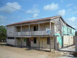 weathered roadhouse @Belize