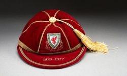 Terry Yorath's Wales International Football Cap 1976-77 season