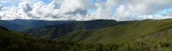 Vista da ladeira aos vales de Lóuzara, a Devesa de Gundriz
