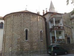 ... mimo bazilike....