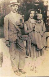 Selvino Jacques e Zanir, sua Esposa e a filha Hilda