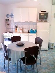 dnevni boravak i kuhinja