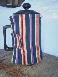 Karula triibuga kohvikannu soojendaja