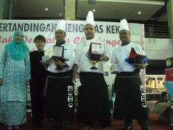 1st, 2nd & 3rd Chefs with Mrs Teh & Anis Nor Saidi