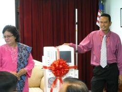 Dr. MANSOR & P. SHIDA