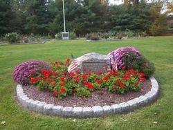 Memorial Rose Garden, Rogers Park