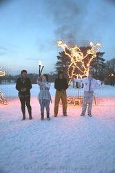 Cathie & Marko with the sculpture artists Derek & Helen