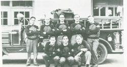 Original hose racing team aproximately in the 30's