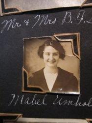 Mabel Umholtz
