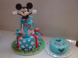 Mickey Mouse Cake 3 (B061)
