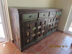 Sideboard/cabinet