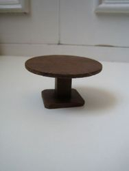 Small scale round table