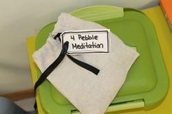 4 pebble meditation