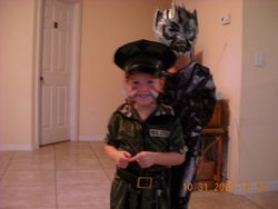 now thats a cute army girl