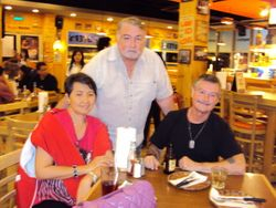 "My GF, Lilia, ""J.J."" & Neil Tally at ""Hooters"" Manila Bay"