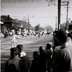 Christmas Parade on Lincoln Ave.